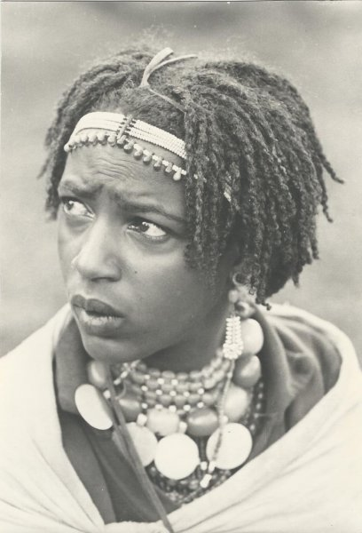Highland woman (photo Steven Schewe).