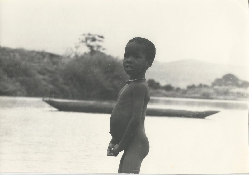 Kid at Baro (photo Steven Schewe).
